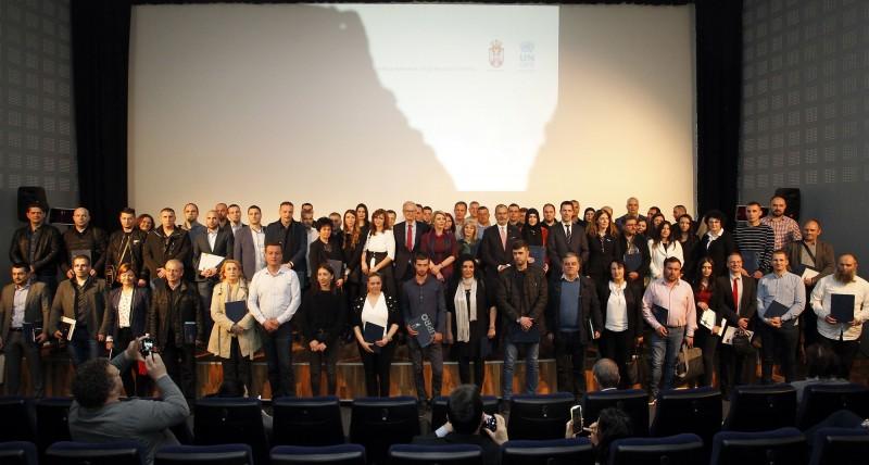 Ministar Joksimović i generalni direktor za  pregovore o proširenju pri Evropskoj komisiji Danijelson uručili ugovore za 68 preduzeća